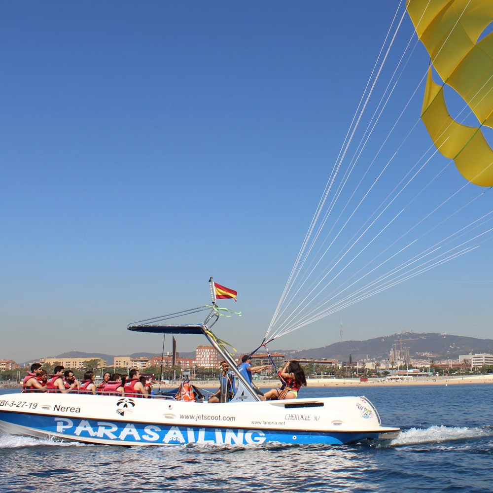 barcelona-parasailing-official-slide-1-min